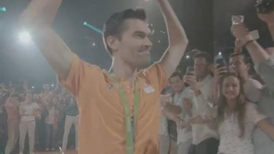 Wielrenners gehuldigd in het Holland Heineken House
