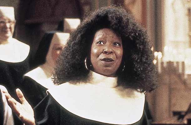 Whoopi Goldberg swingt in Sister Act