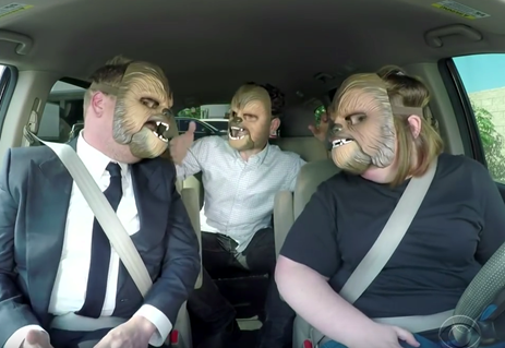 Videosnack: 'Chewbacca mom' bij James Corden in de auto