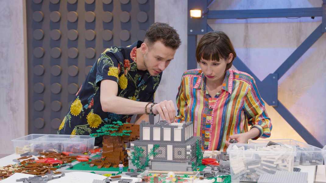 Finalisten Jan en Lola van het RTL 4-programma Lego masters