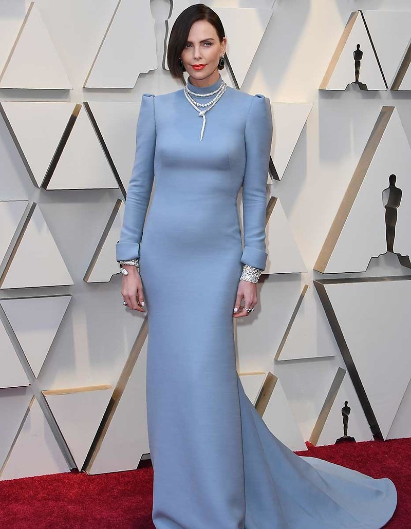 Feestjurken 2019.De Raarste Jurken Bij De Oscars 2019 Televizier Nl
