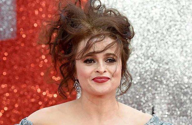 Dit is Helena Bonham Carter als prinses Margaret in The Crown