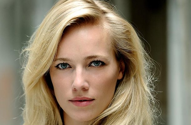 Jennifer Hoffman in nieuwe comedyserie Luizenmoeder
