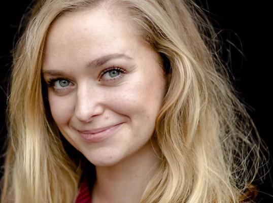 Actrice Pip Pellens gaat solo theater in met voorstelling over telefoongebruik