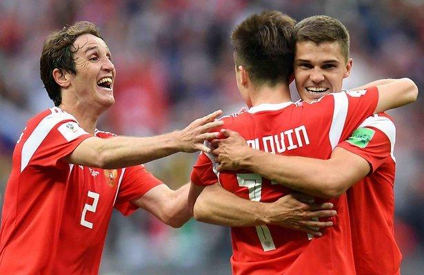 De TV van gisteren: 1 miljoen kijkers voor eerste wedstrijd op het WK Voetbal