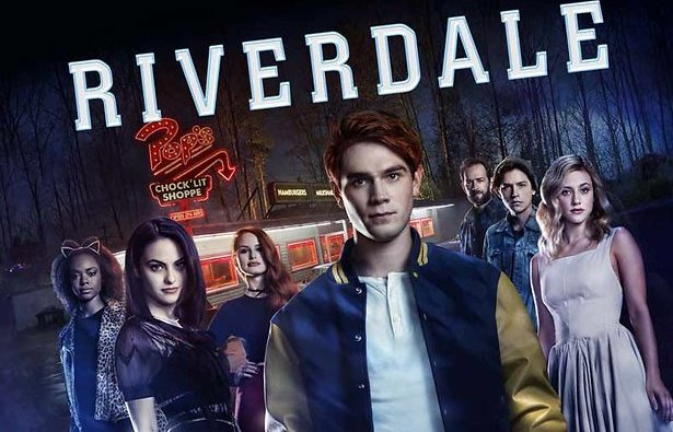 5 theorieën over de The Black Hood in Riverdale