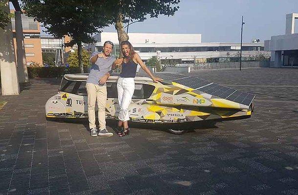Racen met zonnewagens in Solar World Challenge