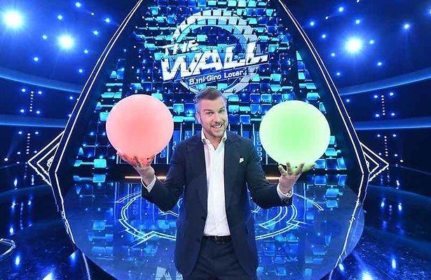 De TV van gisteren: Spelshow The Wall debuteert met 890.000 kijkers